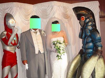 バルタンとウルトラマンと新郎新婦