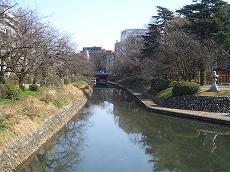 松川沿いを走行