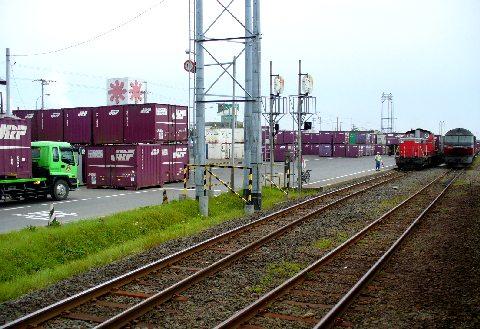 新富士駅の貨物ターミナル