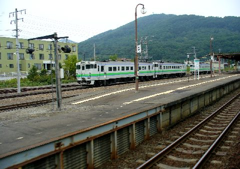 新得駅のホーム