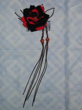 071223-黒赤バラの髪飾り