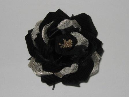 080109-1_『黒金薔薇』_娘のための花飾り