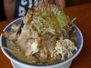 08092212常勝軒・バジル塩ふじ麺(中盛) 800円