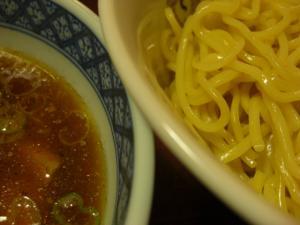 08100320みどり・味玉つけめん 麺スープアップ