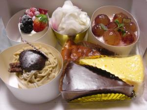 08111016新幸堂・ケーキ各種