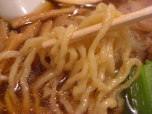 08111521響家・響家らーめん 麺アップ