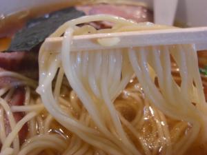 08122013なかじま・焼豚そば 麺アップ