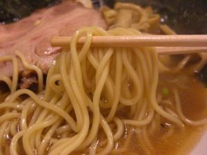09010619燵家製麺・醤油らーめん 麺アップ