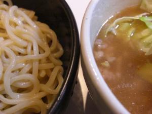 09012518満帆太田・塩ぶたぶたつけめん 麺&スープアップ