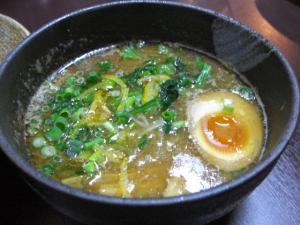 09013121青山・つけ麺コッテリ スープ 680円