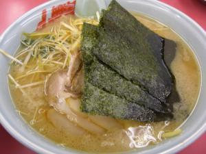 09041704山岡家倉賀野店・醤油ネギチャーシュー麺 930円