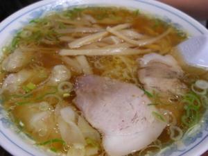 09051713大黒・ワンタン麺 850円