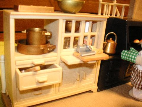 パン屋の両面食器棚