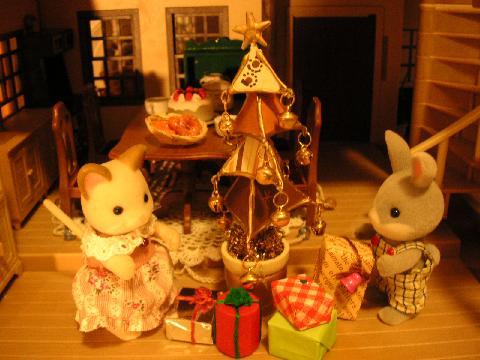 茶ツリーとプレゼント