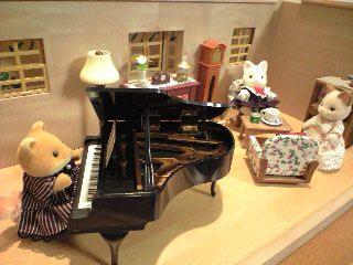 キツネ グランドピアノ