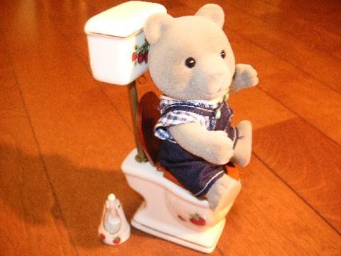 イチゴトイレ クマ