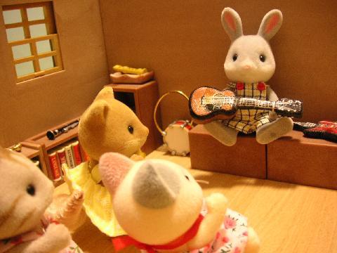 わたウサギくんギター