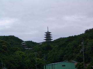 遠くからの五重の塔