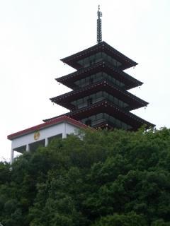 近くからの五重の塔