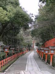 八坂神社の脇の道