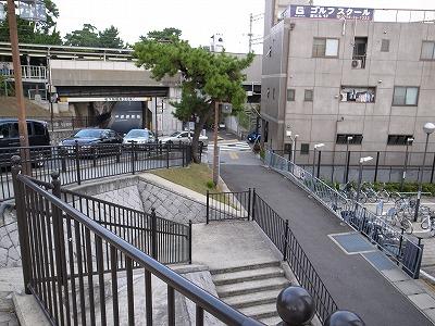阪急さくら夙川駅前