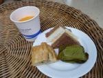 最後にタイっぽいものも食べましょう(笑) 2012/4/17 サムイ空港