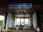 タイ出国後のGate6ラウンジには無料の軽食コーナーも 2012/4/17 サムイ空港
