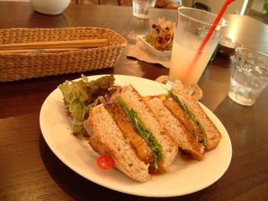 白金豚のサンドイッチ
