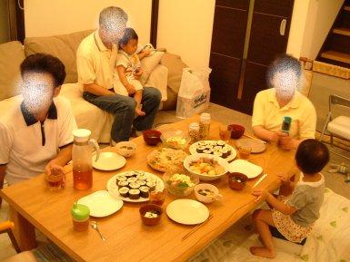 おじいちゃんおばあちゃんも一緒の誕生日会