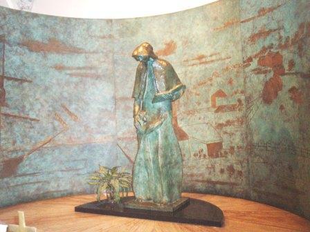 セント・パトリック教会の聖母子像