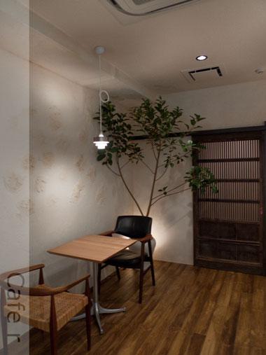 Cafe r 店内