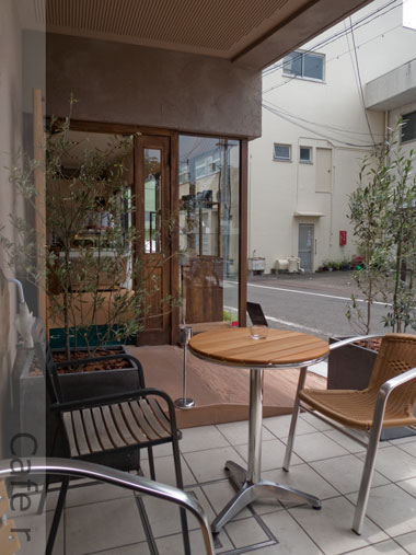 Cafe r テラス席