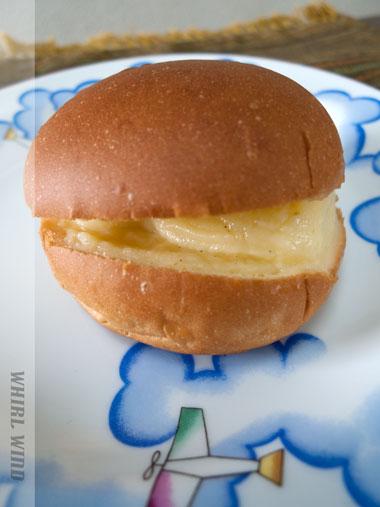 ワールウインドクリームパン