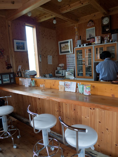 cafe PIT 店内
