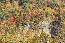 08.10.15白糸の滝の岸壁