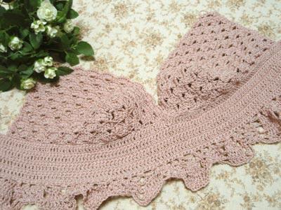 キャミドレス 身頃編み中。
