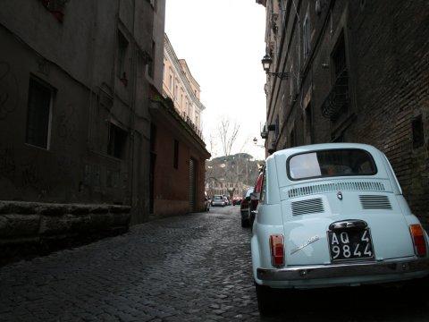 イタリアの小さな車