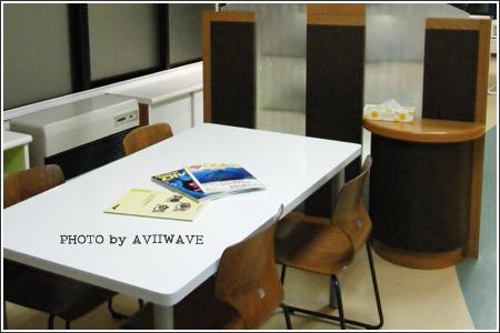 談話スペース「集いのテーブル」です☆