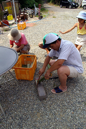 竹でホットケーキの容器を作ります