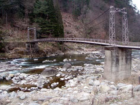 吊り橋これより下流を釣った