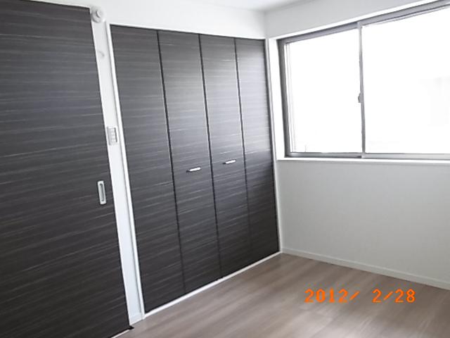 1階洋室クローゼット