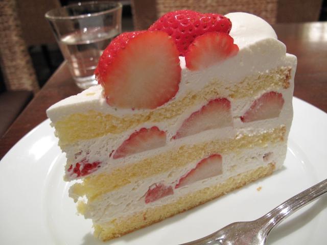 長野産夏いちごのケーキ
