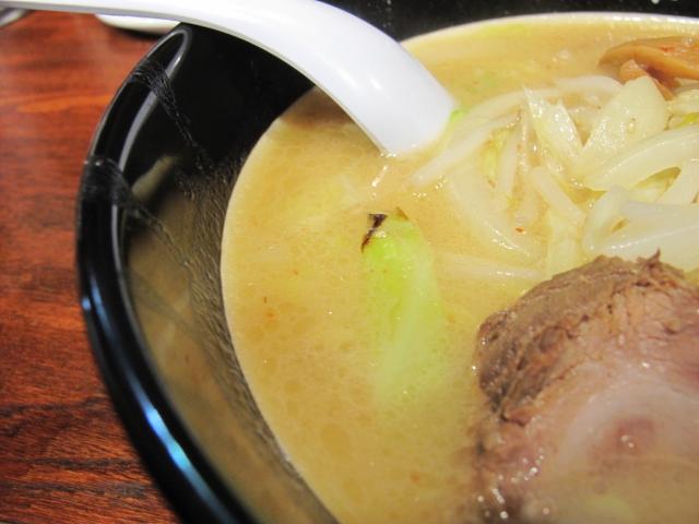おやじラーメンのスープ