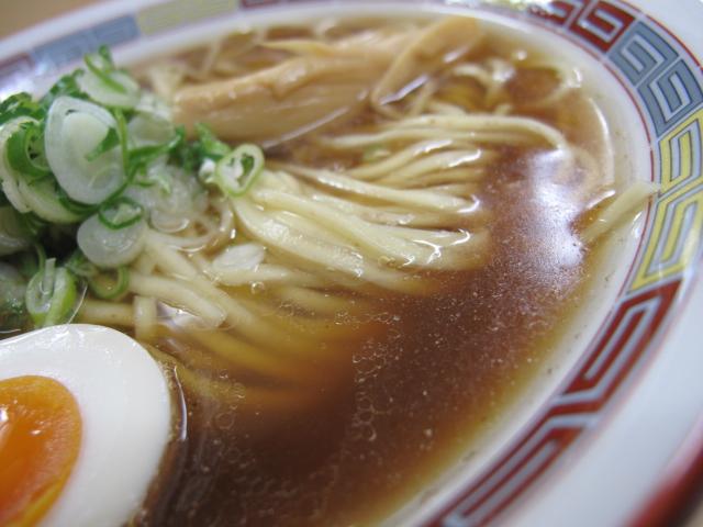煮干正油らーめん のスープ