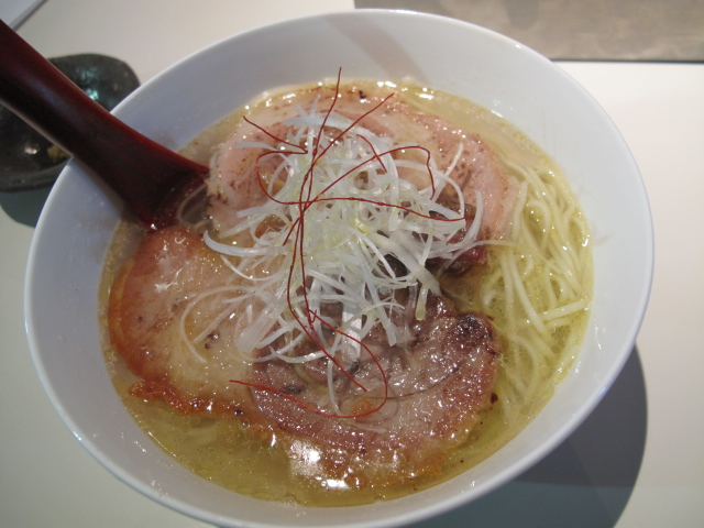 フォアグラ風厚切り塩チャーシュー麺