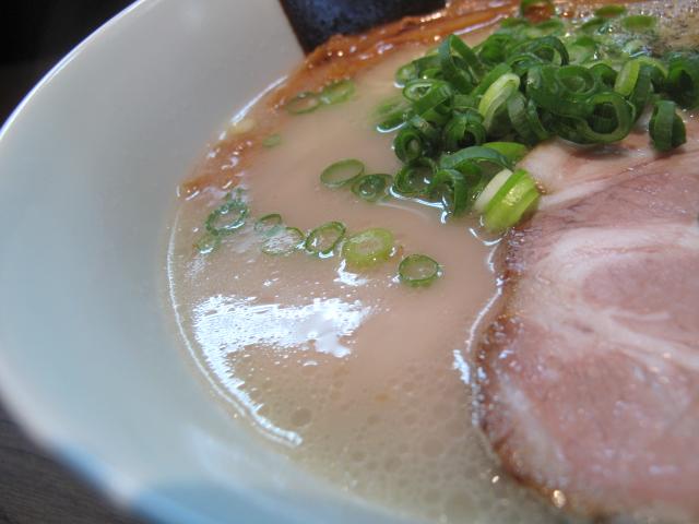 玄界灘とんこつらぁ麺のスープ