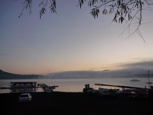 明け方の山中湖