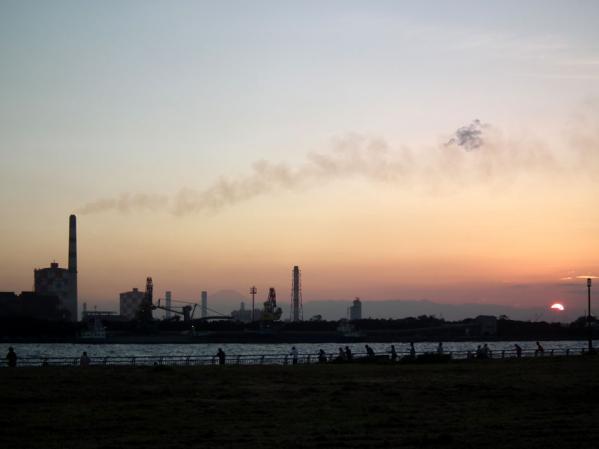 東扇島西公園での夕日の眺め(1)
