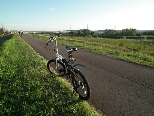 多摩川サイクリングロード 立川~府中間を走行
