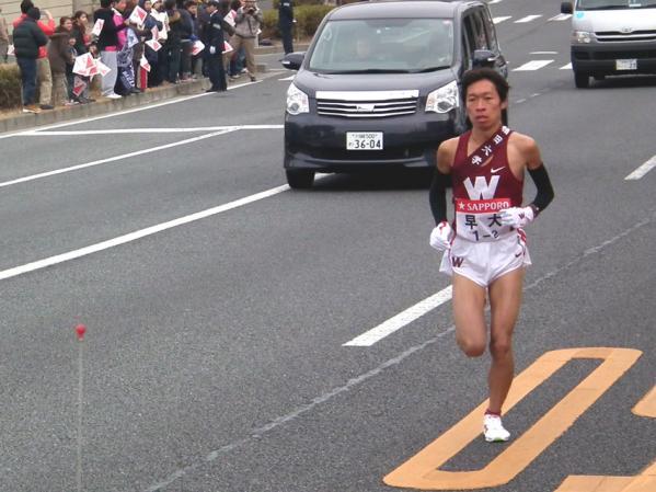 トップを走る早大・平賀選手